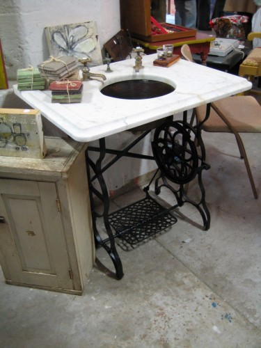 Rub a dub dub switch up your tub - Four ways to repurpose an old sewing machine ...