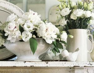 fresh-flower-arrangements-vases-mothers-day-gifts-ideas-1